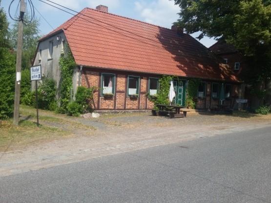 Abb. 18 Dorfkrug Kieve
