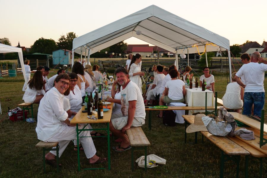 Weißes Dinner in Kieve 2019